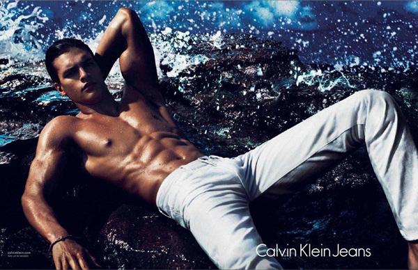 Slika 447 Calvin Klein: Šareni i seksi