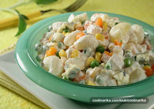 Slika Ukusne poslastice Ukusne poslastice: Salata od piletine i makarona