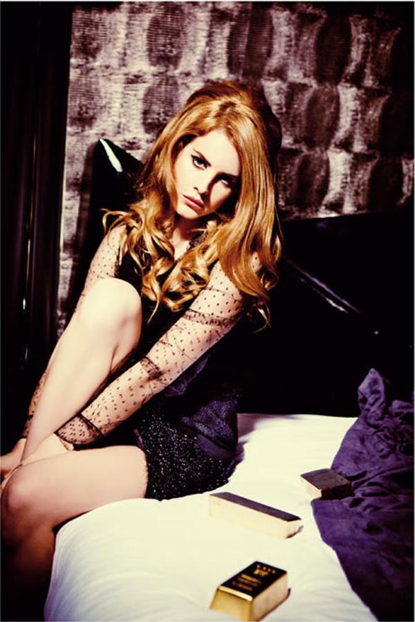"""lana italia 2 """"Vogue Italia"""": Zavodljiva Lana Del Rey"""