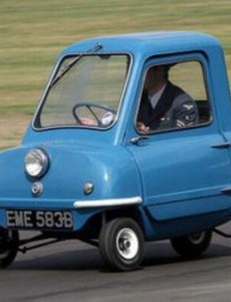 200km/h: Charlie Sheen, Honda, trkački Renault i najmanji auto na svetu