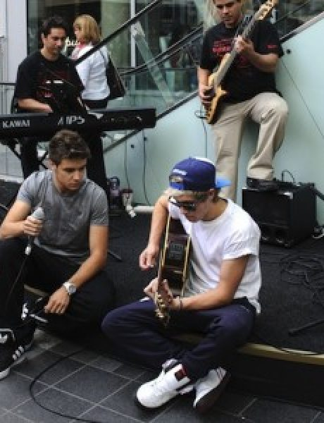 One Direction ogluveli od obožavateljki