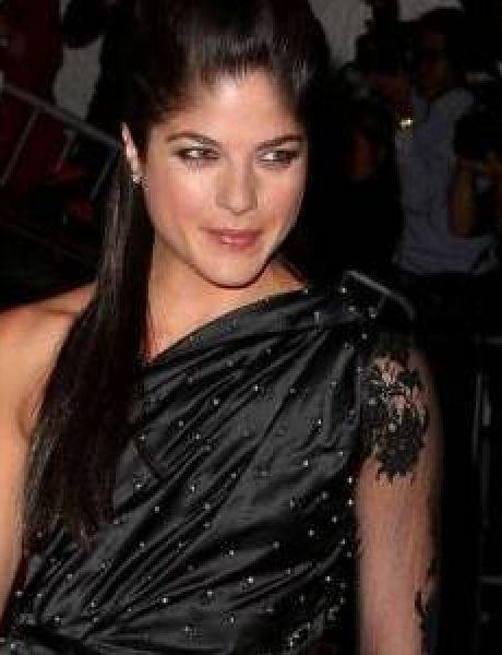 Trend sa crvenog tepiha: Mala crna haljina