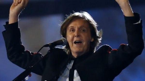 pol Paul McCartney spasio slona