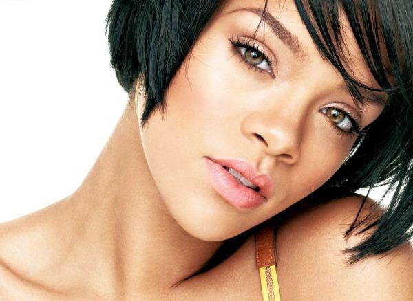 riri1 Rihanna ne voli slavu
