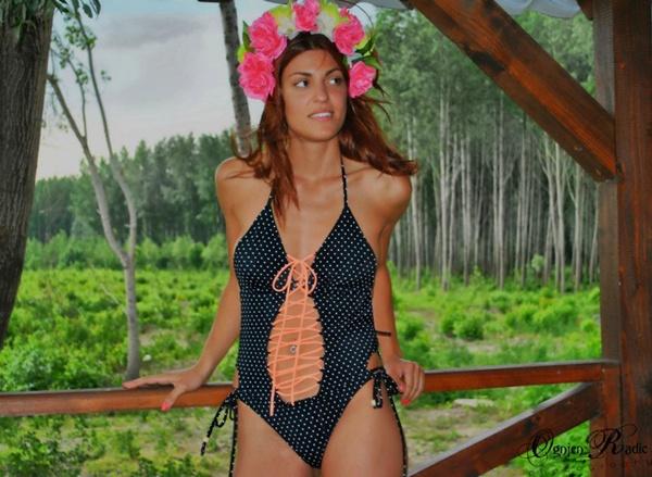 slika 311 Trendi kupaći kostimi Šolaja: Zanimljivi detalji i dodir neona