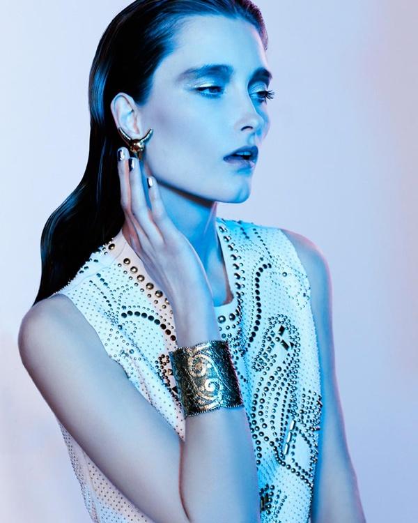 "slika 413 ""Vogue Portugal"": Glamurozni crno beli svet"
