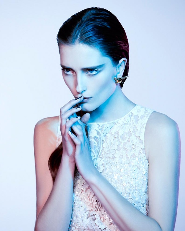 "slika 513 ""Vogue Portugal"": Glamurozni crno beli svet"
