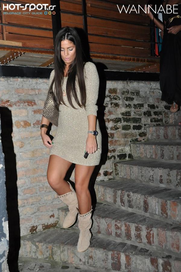 slika 528 Fashion Night Out: Cipelice, bluzice, kompletići, šeširi