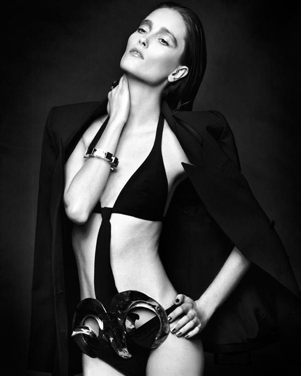 "slika 610 ""Vogue Portugal"": Glamurozni crno beli svet"