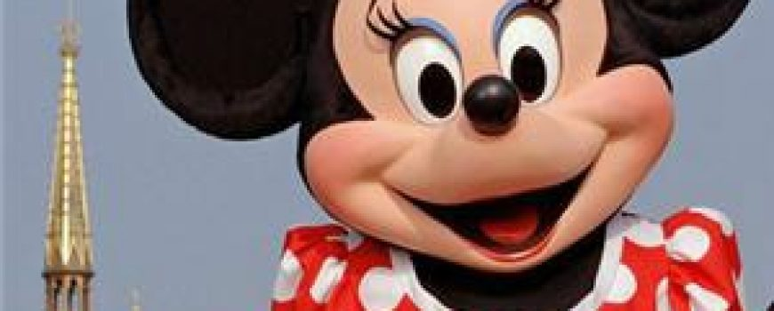 Modni zalogaj: Minnie Mouse na londonskoj Nedelji mode
