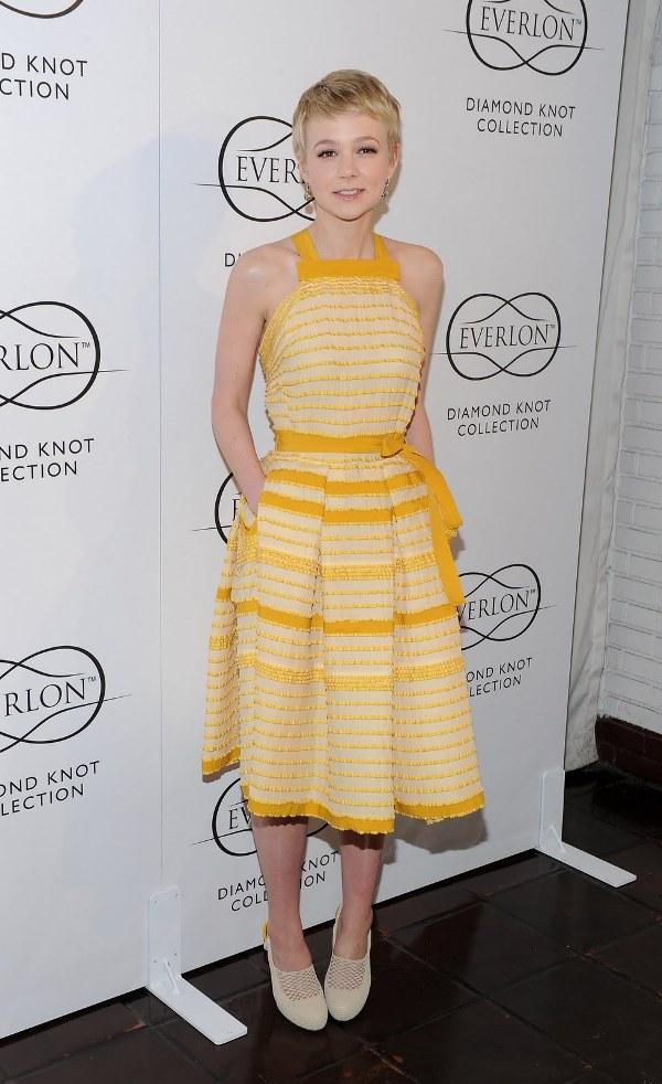 1. 10 haljina: Carey Mulligan