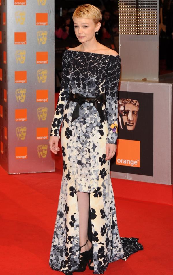 10. 10 haljina: Carey Mulligan