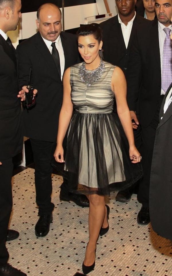 111 10 haljina: Kim Kardashian
