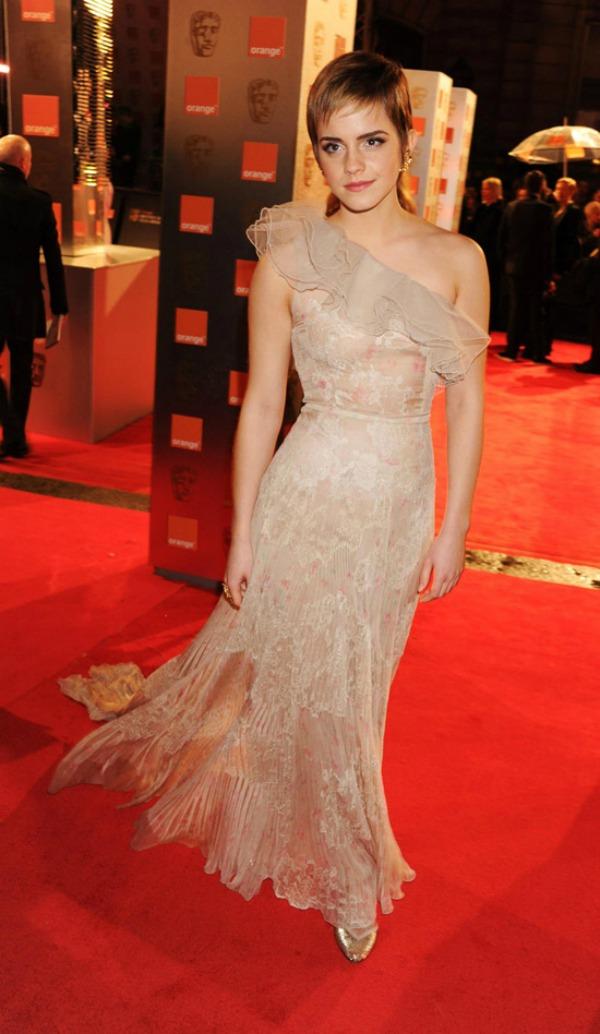 147 10 haljina: Emma Watson