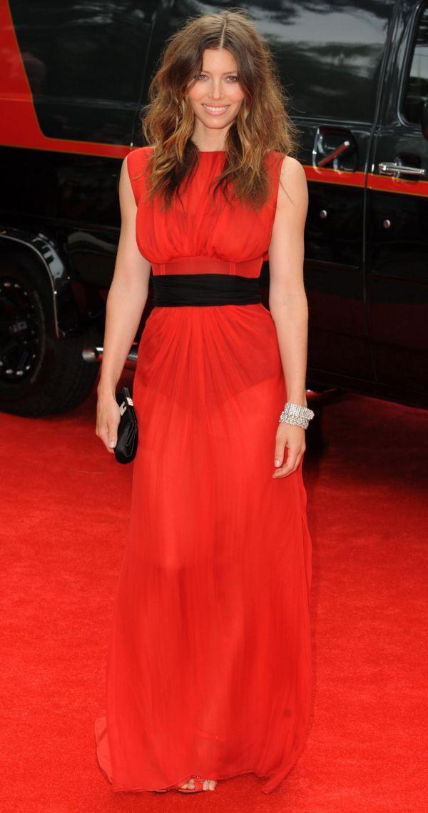 24 10 haljina: Jessica Biel