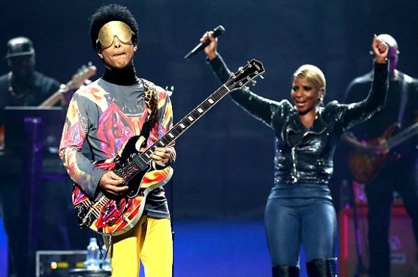 2591239 prince mary j blige 2012 iheartradio music festival 617 409 Prince i Mary J. Blige: Zajednički nastup