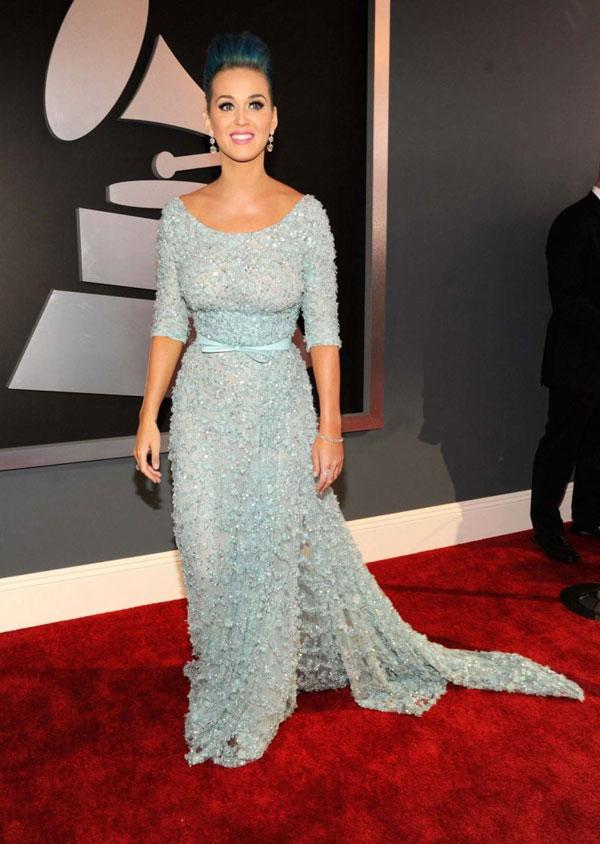 329 10 haljina: Katy Perry