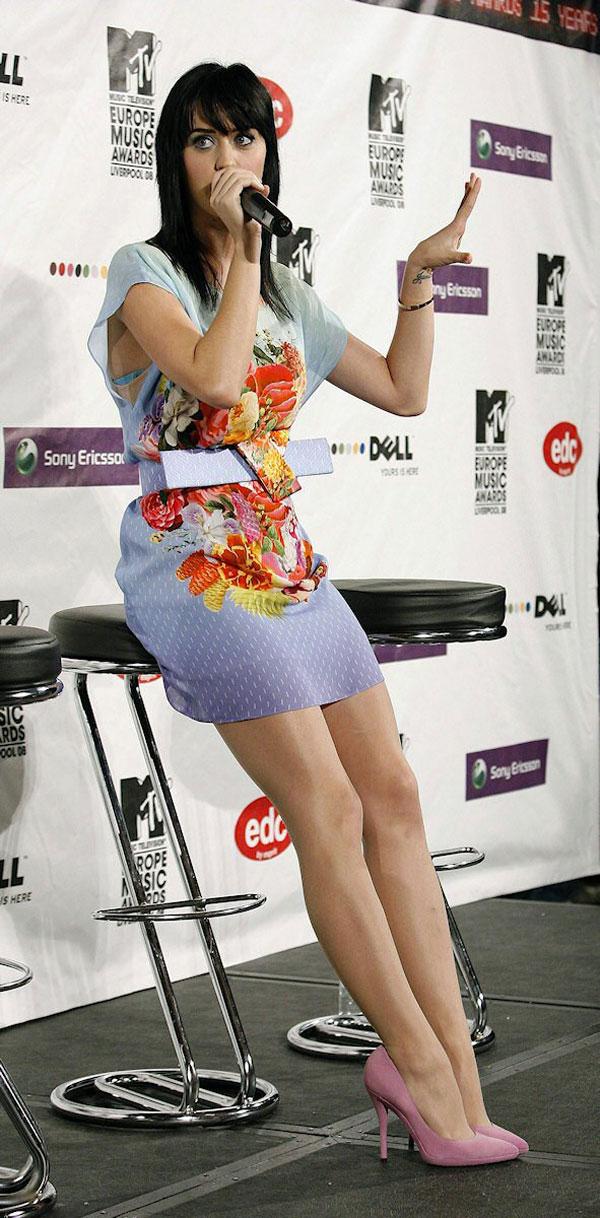 422 10 haljina: Katy Perry