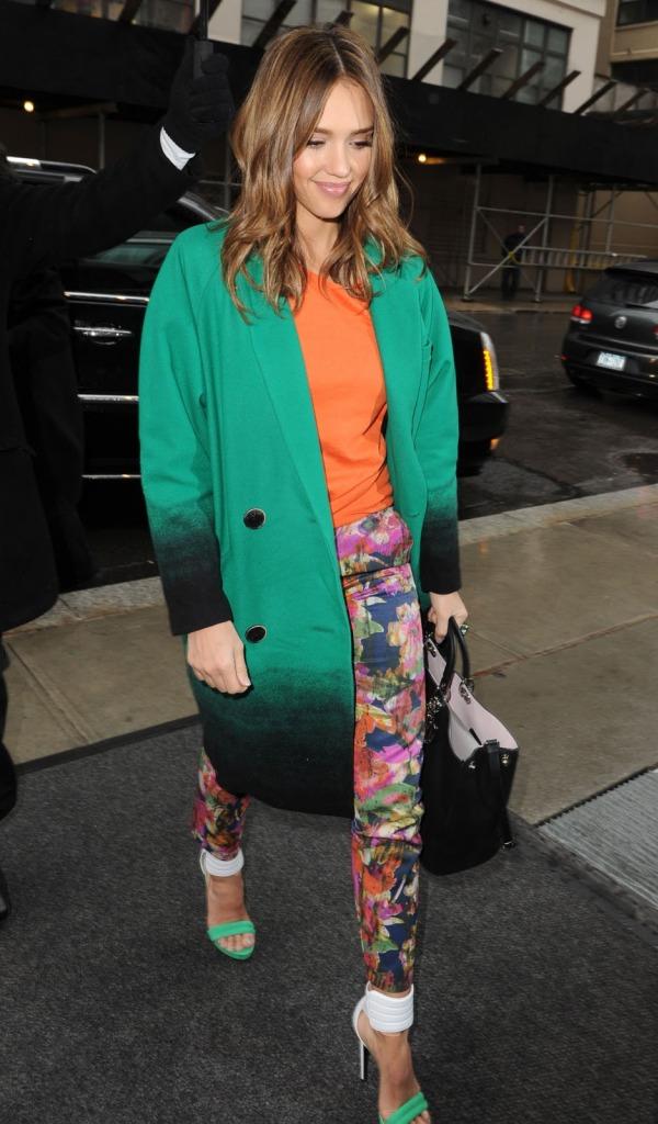 49 10 odevnih kombinacija: Jessica Alba