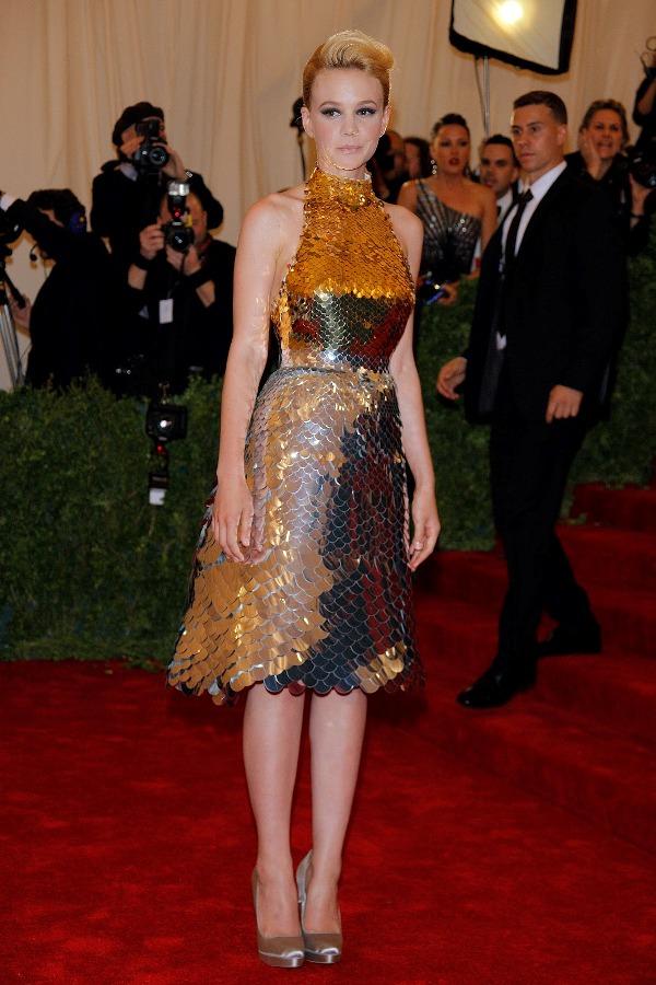6. 10 haljina: Carey Mulligan