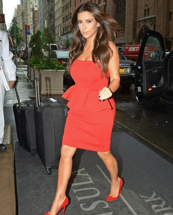 61 10 haljina: Kim Kardashian