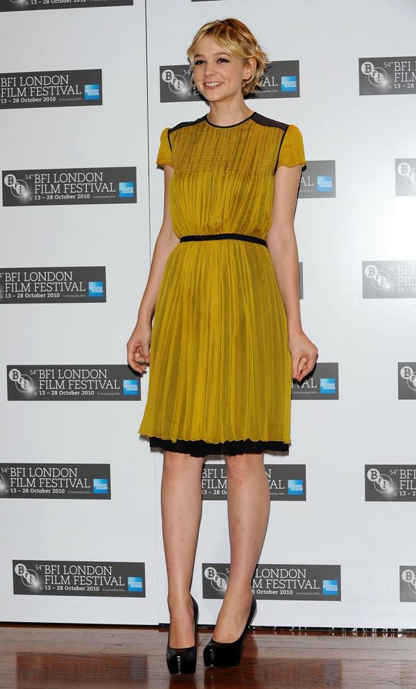 8. 10 haljina: Carey Mulligan