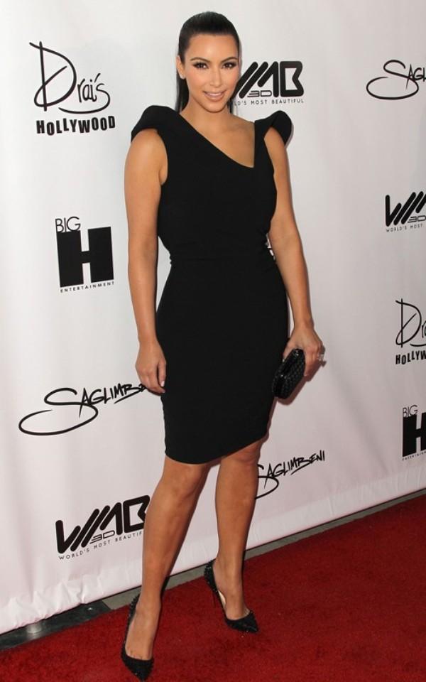 81 10 haljina: Kim Kardashian