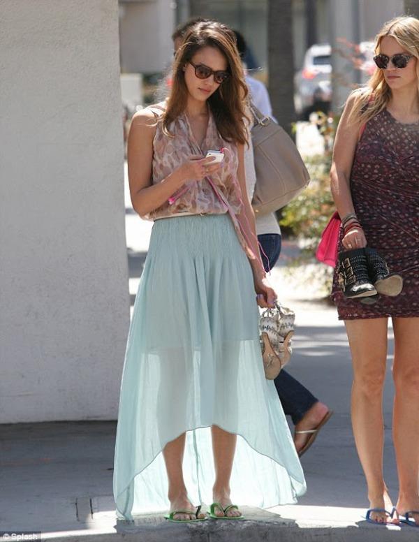 93 10 odevnih kombinacija: Jessica Alba