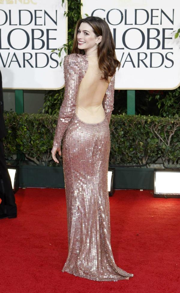 94 10 haljina: Anne Hathaway