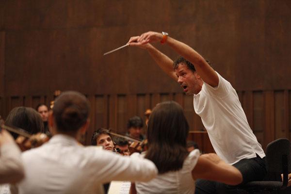 Aleksandar Markovi  na prvoj probi sa BGF Nesvakidašnji flautista za početak ciklusa Bizarrte