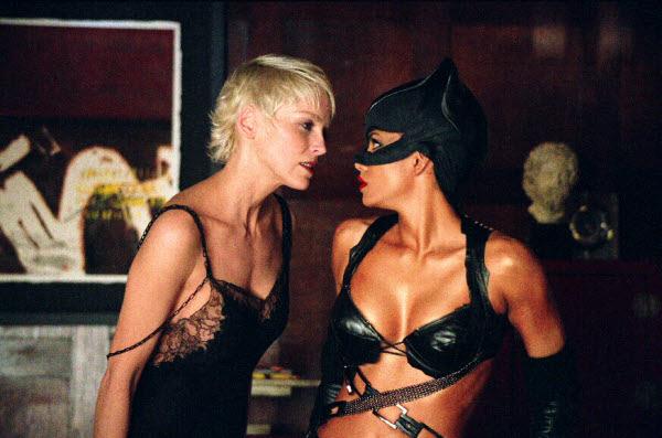 Catwoman Still23 Striptiz za pismene: Budi mačka, budi kučka