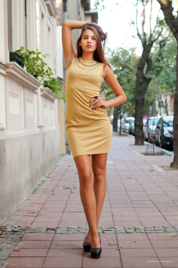 Haljina zlatna 3 1 potpis1 Wannabe intervju: Milica Jovanović