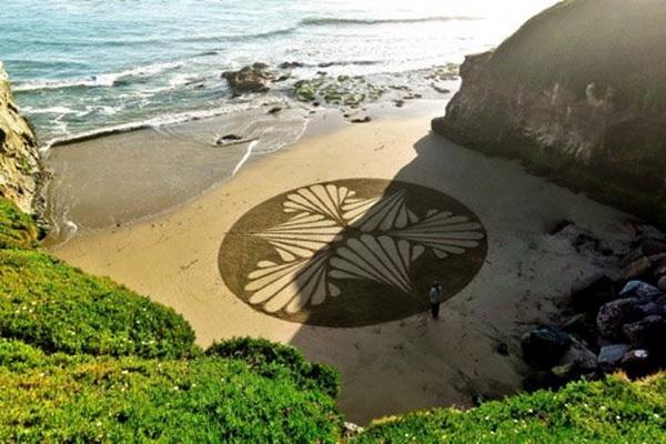 Izjavio je da mu je ovaj pe  ani obris omiljeni  Andrés Amador: Plaža kao slikarsko platno