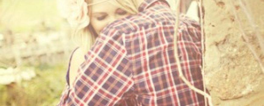 Sa tobom ostajem, sa njom ne rastajem