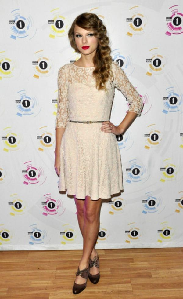SLIKA 18 10 haljina: Taylor Swift