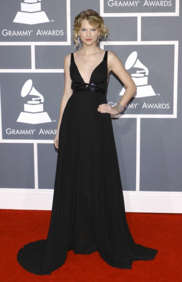 SLIKA 4 10 haljina: Taylor Swift