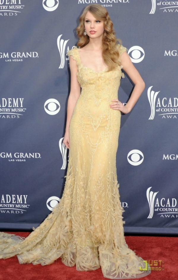 SLIKA 51 10 haljina: Taylor Swift