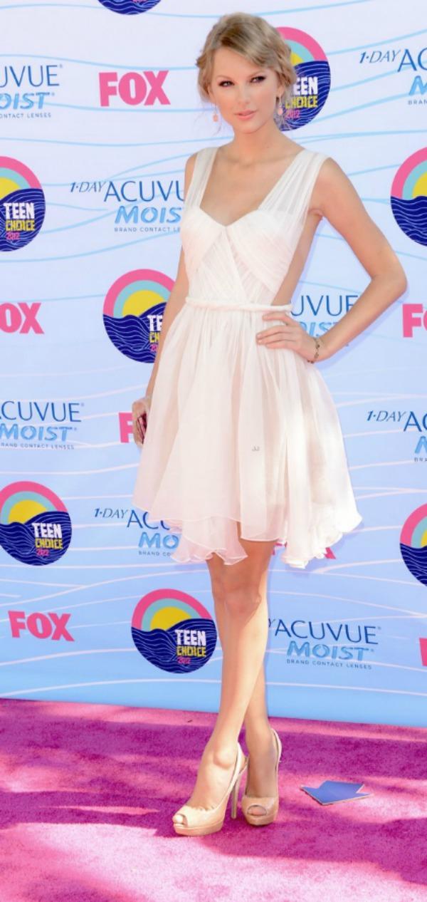 SLIKA 9 10 haljina: Taylor Swift