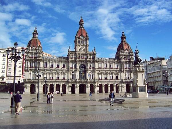 Slika 227 Trk na trg: Plaza Maria Pita, A Coruña
