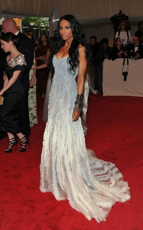Slika 252 10 haljina: Ciara