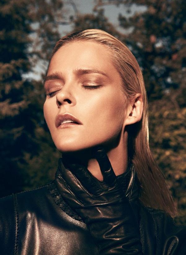 carmen kass11 Vogue Latin America: Carmen Kass, nova Bondova devojka