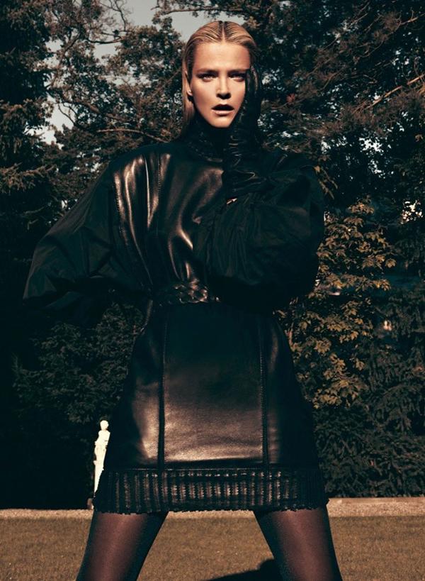 carmen kass12 Vogue Latin America: Carmen Kass, nova Bondova devojka