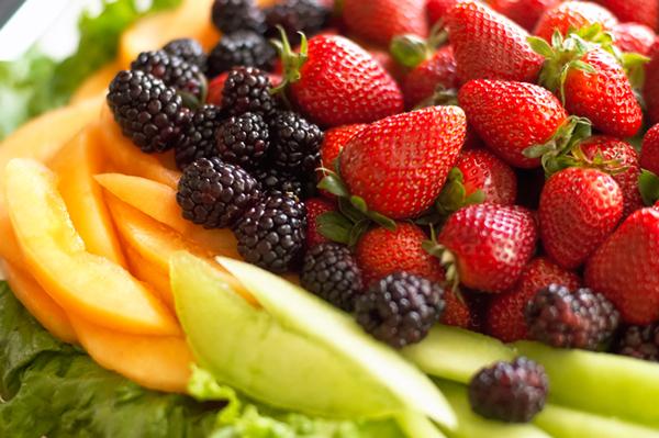 fruit tray Živi zdravo: Deklaracija na hrani, istina ili laž?