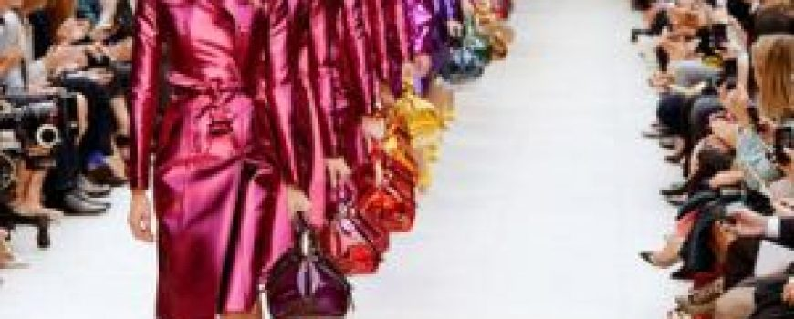 Modni zalogaj: U trendu su metalik boje!
