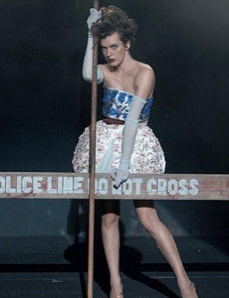 """""""Vogue Italia"""": Milla Jovovich kao glamurozna politička aktivistkinja"""
