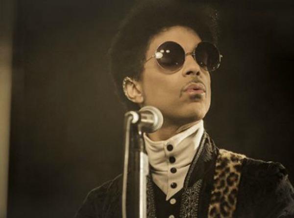 prince Prince: Uz novu pesmu i nova frizura