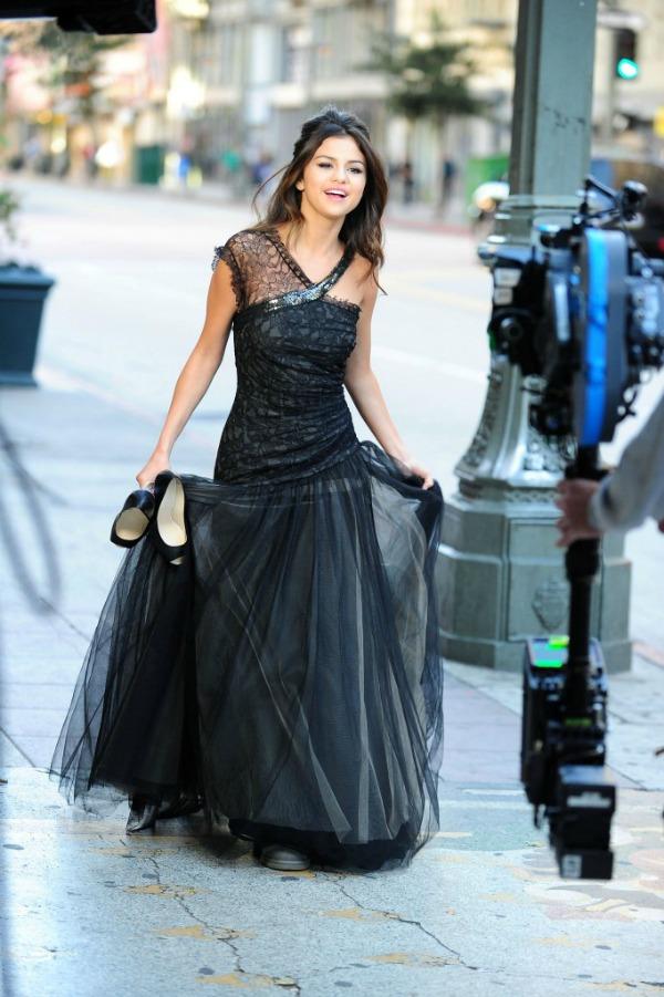 selena gomez selena gomez dress selena gomez dresses best selena gomez dresses top 15 11.jpg 682x10241 10 haljina: Selena Gomez