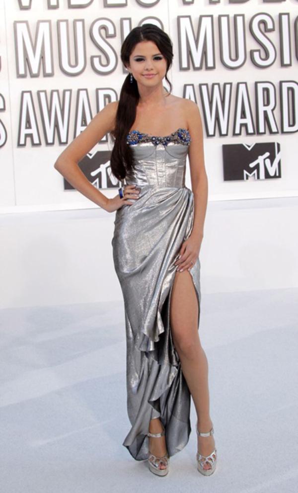selena gomez selena gomez dress selena gomez dresses best selena gomez dresses top 15 15.jpg 10 haljina: Selena Gomez