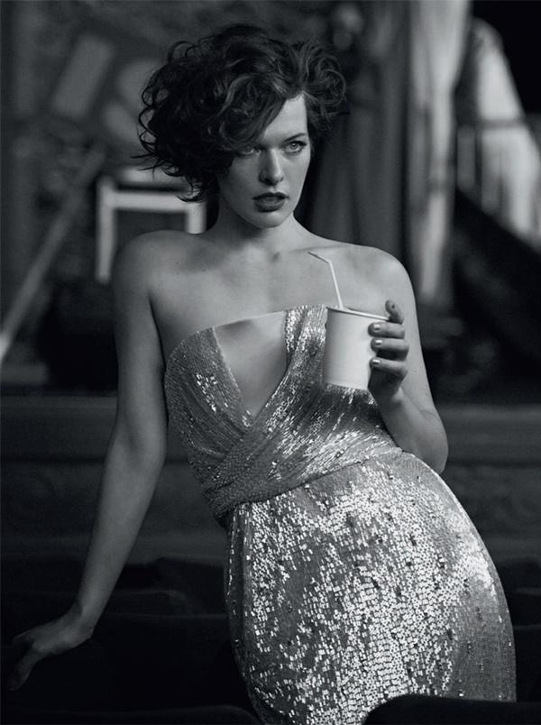 """slika 1011 """"Vogue Italia"""": Milla Jovovich kao glamurozna politička aktivistkinja"""