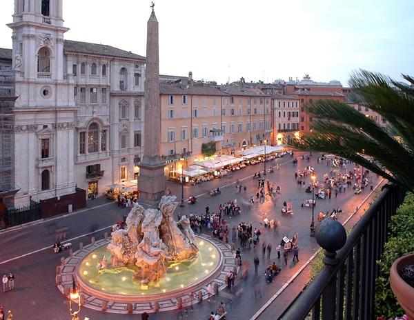 slika 156 Trk na trg: Piazza Navona, Rim
